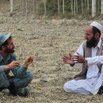Se reanudan las conversaciones afganas en medio de violencia y polémicas